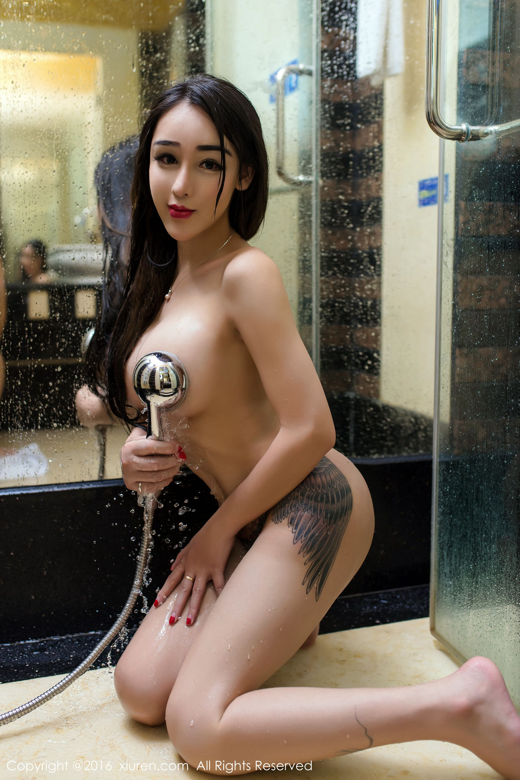 hot Chinese glamour in bath